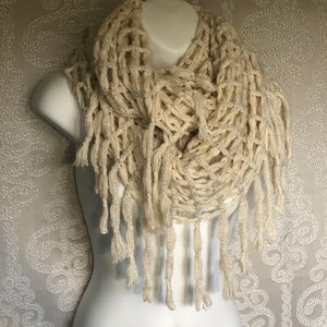 Steve Madden Off White and Silver Infinity Scarf